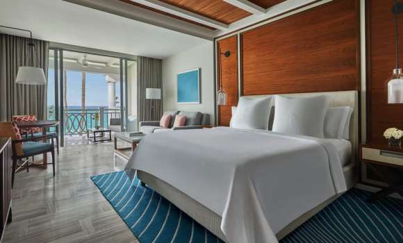 Crescent Wing: Luxury Beachfront Suite