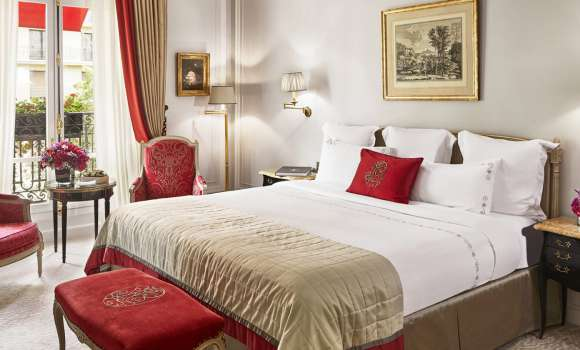 Deluxe Suite – Avenue Montaigne View