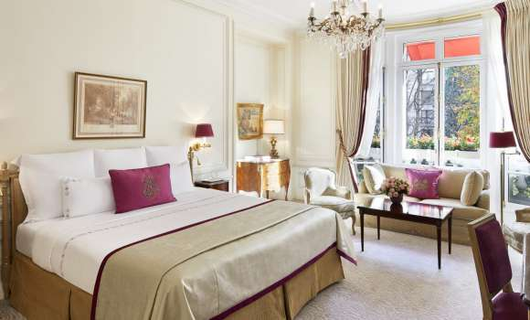Junior Suite – Avenue Montaigne View