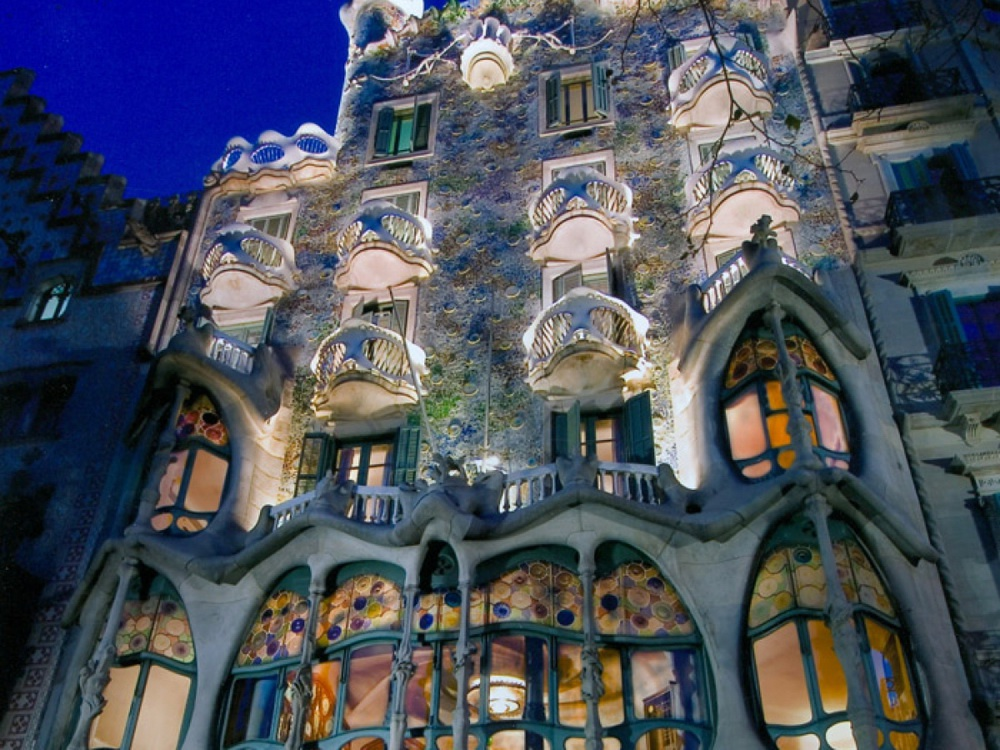 Замки в испании барселона купить